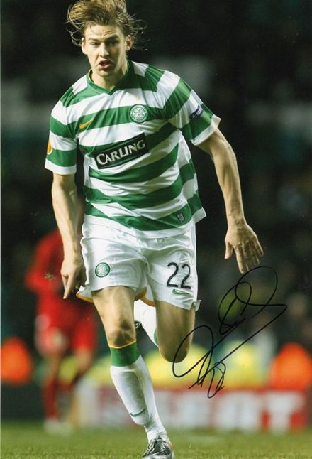Glenn Loovens, Glasgow Celtic, signed 12x8 inch photo.